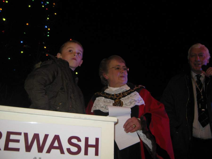 Kai Glover switching the Long Eaton Christmas lights on